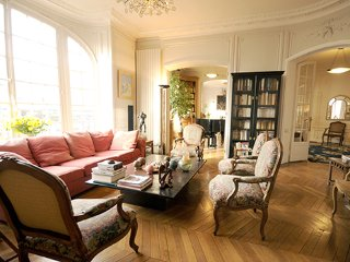 Luxury 3 Bedroom Apartment w/Piano in Paris