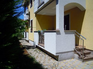 Jasmina A cosy apartment close to the beach