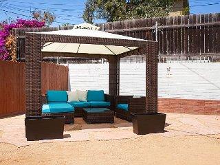 Modern & Stylish Golden Hill Triplex with Spacious Shared Yard, Near Downtown, San Diego