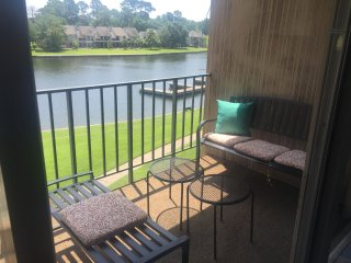 WATERFRONT 3BR/3BA BEAUTY!!!, Conroe