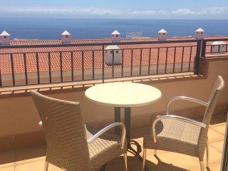 Luxurious Villa house Apartmen: Air-con, Wifi, Heated pool. ALL TERRESTIAL UK TV