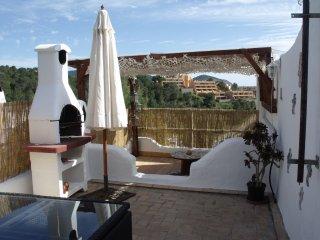 pequeña casa adosada con terraza, Cala Vadella