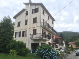 "' Deep Liguria 02"" Ground floor 1 bedroom apartment ( garden/ parking) nr Genoa"