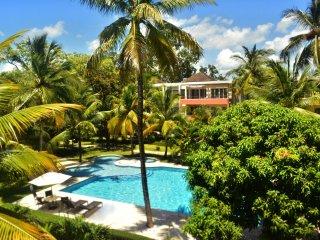 Penthouse Duplex in Luxury Ocean Front Residence Infiniti Blu