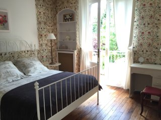 Loire Valley Romantic One-Bedroom Villa, Rochecorbon