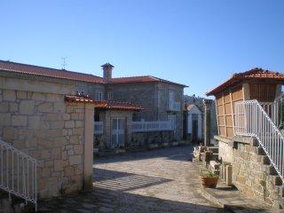 Casa do Castelo de Fermedo com seis quartos, Arouca