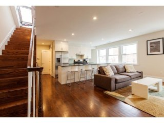 LUXURIOUS, MODERN AND BRAND NEW 2 BEDROOM, 1.5 BATHROOM APARTMENT, Boston