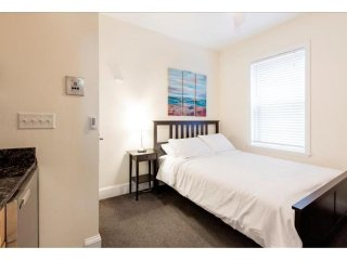 LOVELY, COZY AND FULLY FURNISHED STUDIO APARTMENT, Boston