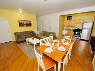 #8711  3 bedroom apartment located in Harlem