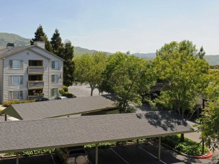BEAUTIFULLY FURNISHED 3 BEDROOM, 2 BATHROOM APARTMENT, Milpitas