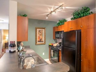 APPEALING 2 BEDROOM 2 BATHROOM FURNISHED APARTMENT IN LEXINGTON, Lexington