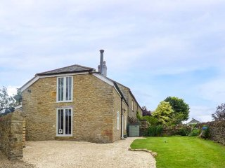 MARRIOTTS STABLE, Grade II listed, woodburning stove, WiFi, cosy accommodation near Beaminster, Ref 936033