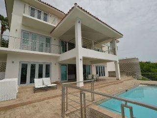 Spectacular Mansion at Rio Mar Beach Resort, Río Grande