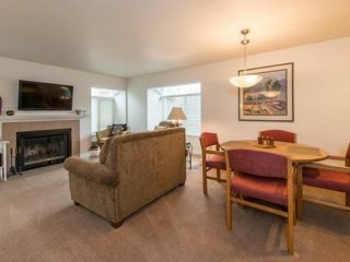 Furnished 2-Bedroom Condo at West Lake Sammamish Pkwy NE & Leary Way NE Redmond