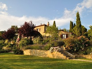 Toscana Fantastica - Cortona , Villa and its Cottage, Sleeps 6 or 12, large