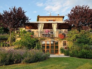 Villa Rosmarino - an idyllic accommodation for Cortona lovers