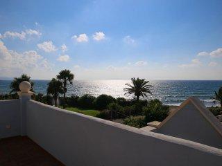 Frontline Beach & Sea Villa in Lorea Playa, Puerto Banus, Marbella