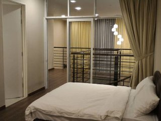 Luxurious Stay at Riverson SOHO, KK City Centre