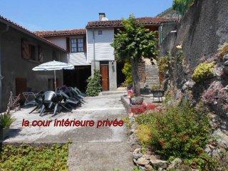 GÎTE 7 / 9 PERSONNES à THEBE 65370 Hautes Pyrénées, Thebe