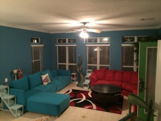 *PL* Fall & Holidays-going fast! Sleeps 20 * Private Pool /Spacious! Central!