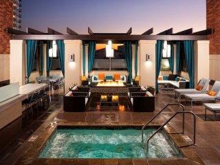 Furnished 1-Bedroom Apartment at Wilshire Blvd & Glendon Ave Los Angeles, Los Ángeles