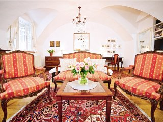 (1) Romantic Studio Apartment in the heart of historic old-town Salzburg