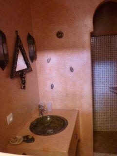 detail salle d'eau chambre Zagora