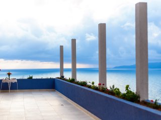 Blue Mediterranean/2  bedroom apartment ,sea v,4+2