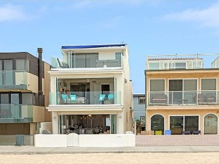 Brand New Beautiful Ocean Front Single Family, Best Beach Location (68384), Newport Beach