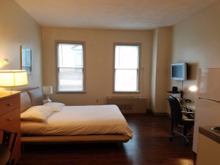 Studio with private Bath and Kitchen Harvard Sq., Cambridge