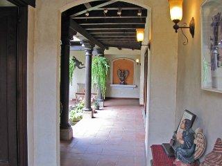 Casa La Familia, Antigua