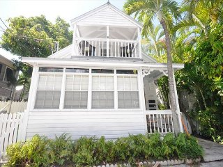 Escape On Fleming: A charming 2 bedroom home, Key West