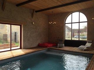 domaine  grande capacite piscine interieure