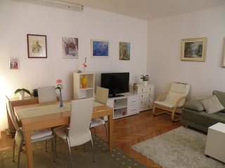 Whole house for rent - 150 meters from sea -Budget, Zadar