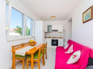 Apartments Kažimir - 45981-A1, Necujam