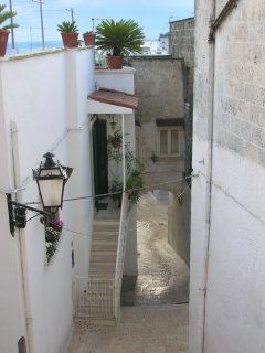 Get lost in the narrow alleys of Oria's historical center (around the property)