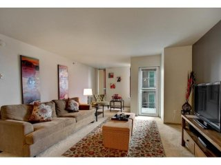 Furnished 2-Bedroom Apartment at 1st Ave & University St Seattle