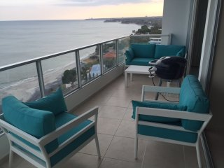 Fantastic 2 Bedroom Oceanfront-Coronado Bay, Playa Coronado