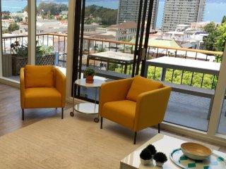Furnished 2-Bedroom Duplex at Lombard St & Larkin St San Francisco