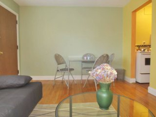 Furnished 1-Bedroom Apartment at 11th Ave NE & NE 42nd St Seattle