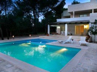 Villa in Cala Jondal, Ibiza, Sant Josep de Sa Talaia