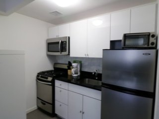 Furnished Studio Apartment at 9th Ave & W 48th St New York, Nueva York