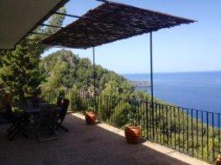 Casa entre Soller y Deia 6 pax  con vistas al mar