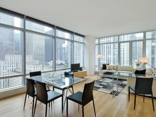 Furnished 1-Bedroom Apartment at 5th Ave & W 50th St New York, Nova York