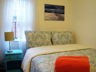 Furnished 9-Bedroom Home at 29th St & 35th Ave Queens, New York City