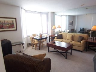 Furnished 2-Bedroom Apartment at Harrison St & Main St San Francisco