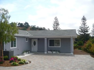 SPECTACULAR AND RELAXING TOWNHOUSE PERFECT FOR A PEACEFUL GETAWAY, Walnut Creek