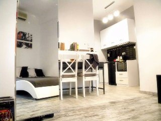 Super central & modern studio, 10 min to Acropolis