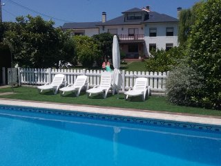 Apartamento Pueblo de Mogro con piscina y jardin - playa.
