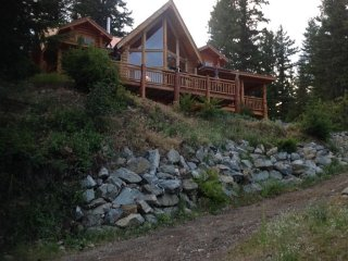 Log Home With 25' High 180 Degree Lake View
